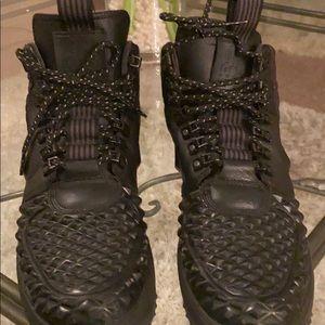 Black men Nike boots black